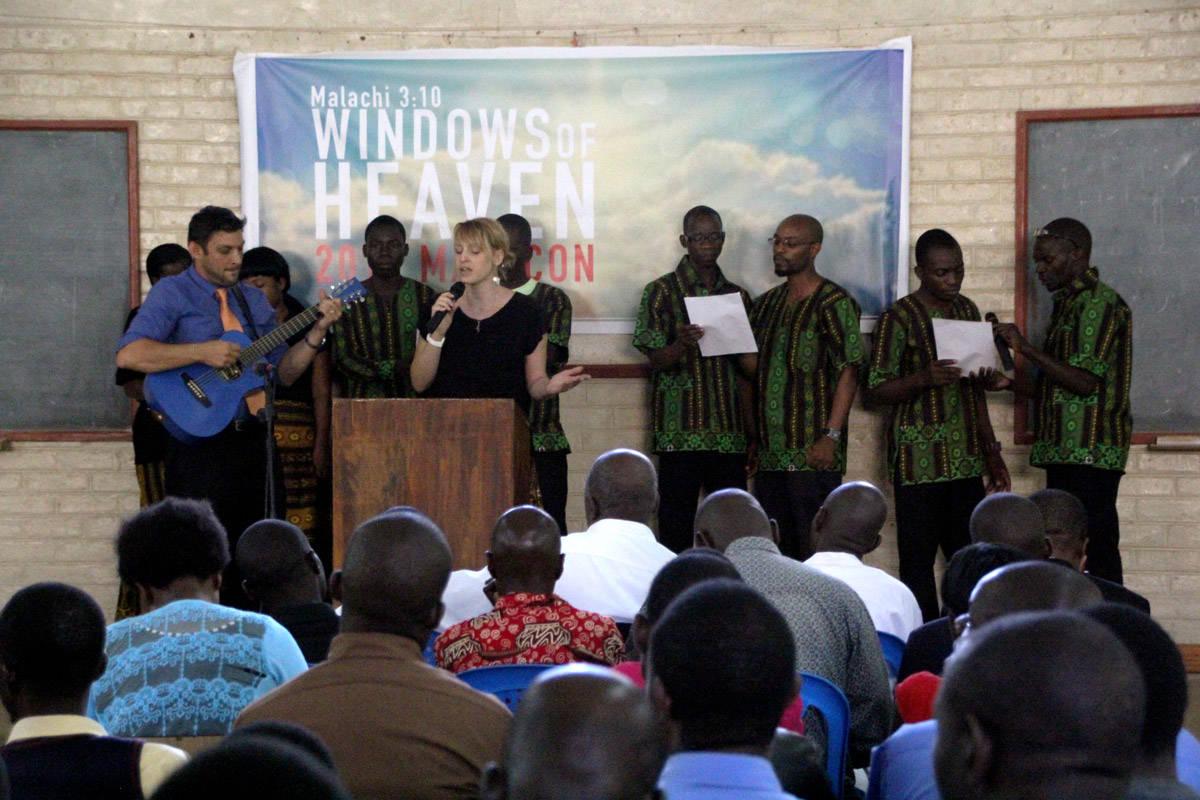 PastorChris-Julie-singing